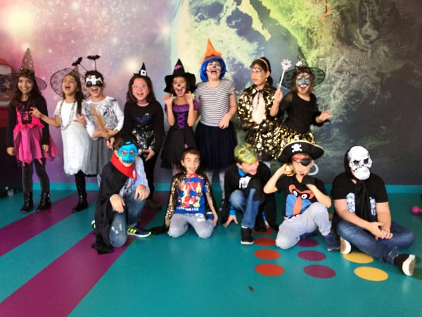 Petrecere tematica: Halloween